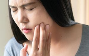 5 Causes of Tooth Pain Tooth Sensitivity - Li Family Dental