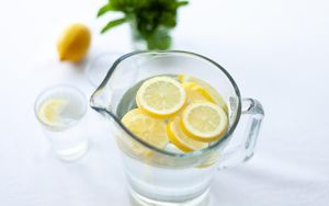 5 Causes of Tooth Pain Water Vitamin C - Li Family Dental